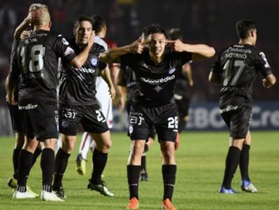 Gol do Argentinos Juniors contra o Colón
