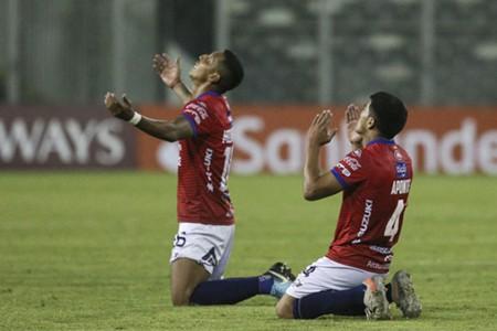 Jorge Wilstermann - Colo Colo Fecha 6