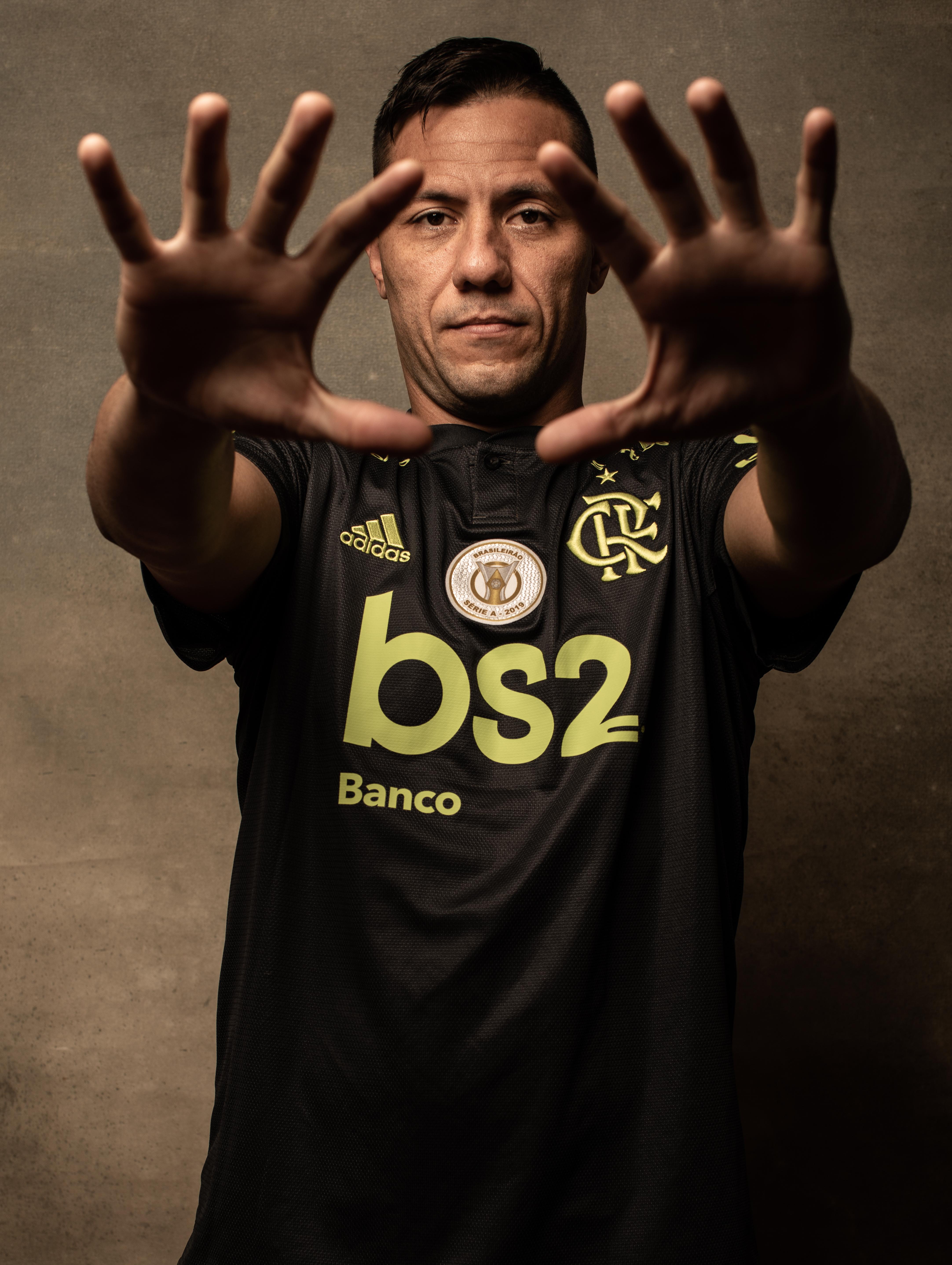 Diego Aves, o paredão do Flamengo