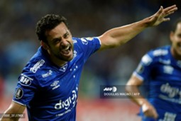 Fred scores for Cruzeiro in the Copa Libertadores