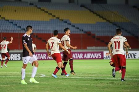 Comemoração de gol do Jonathan Dos Santos