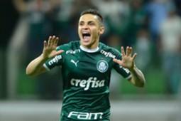 Raphael Veiga comemora gol do Palmeiras