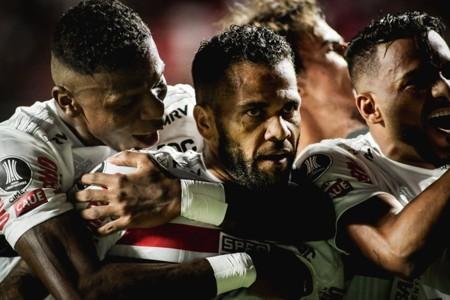 São Paulo - Daniel Alves