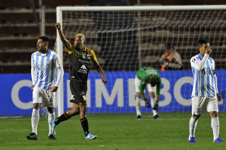 The Strongest x Tucumán - Libertadores