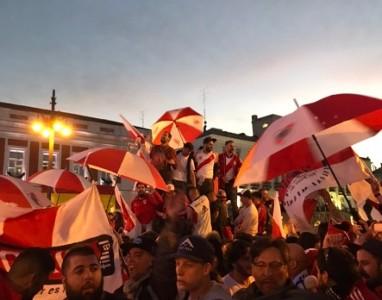 Hinchada - River Plate - Puerta del Sol - Madrid