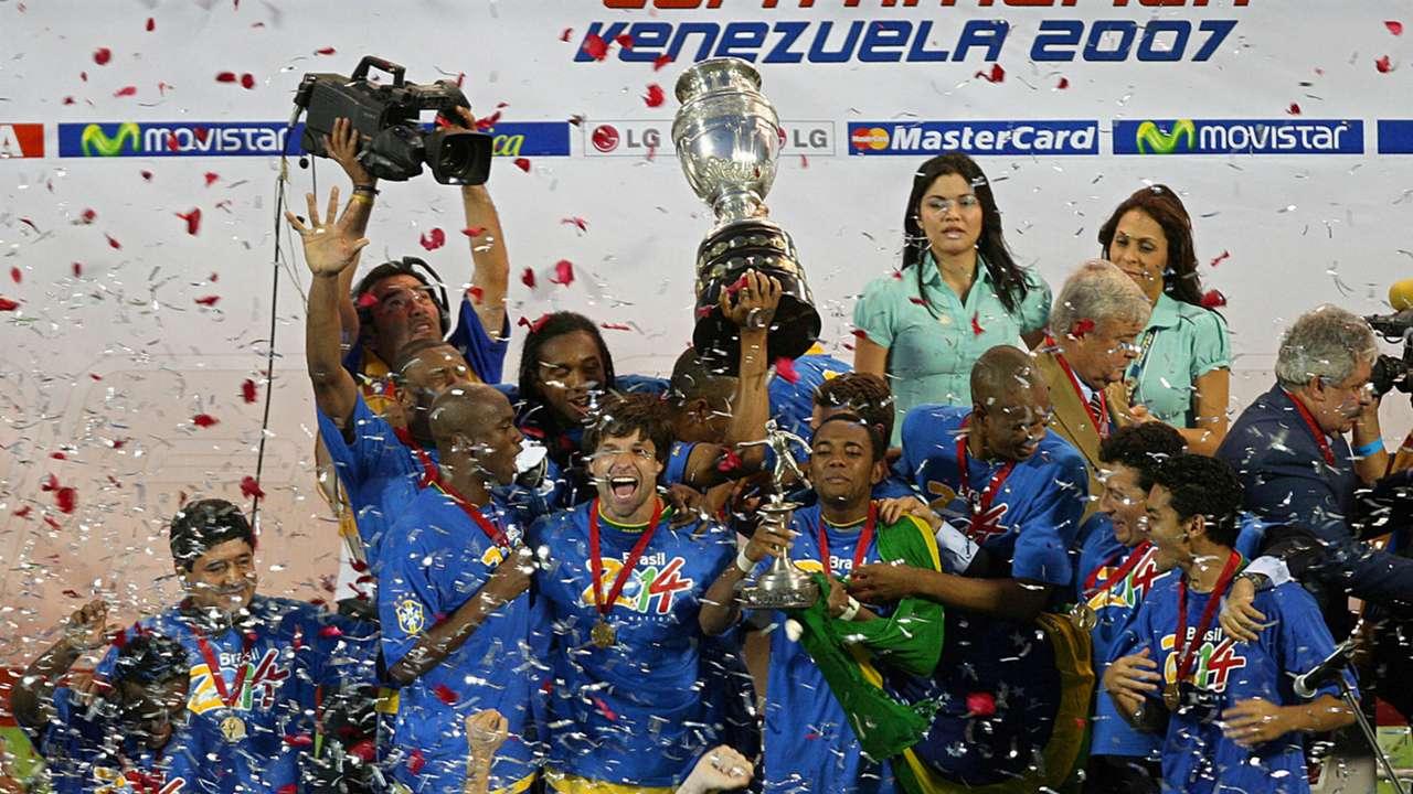 Brazil celebrate Copa America 2007