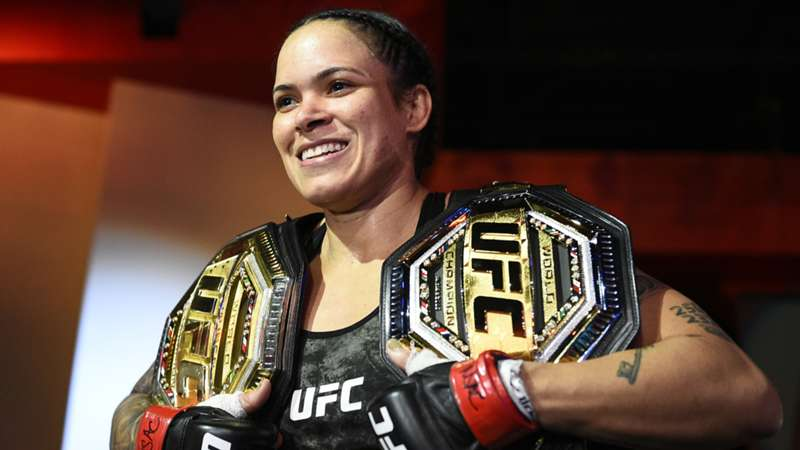 amanda-nunes-champion-getty-ftr