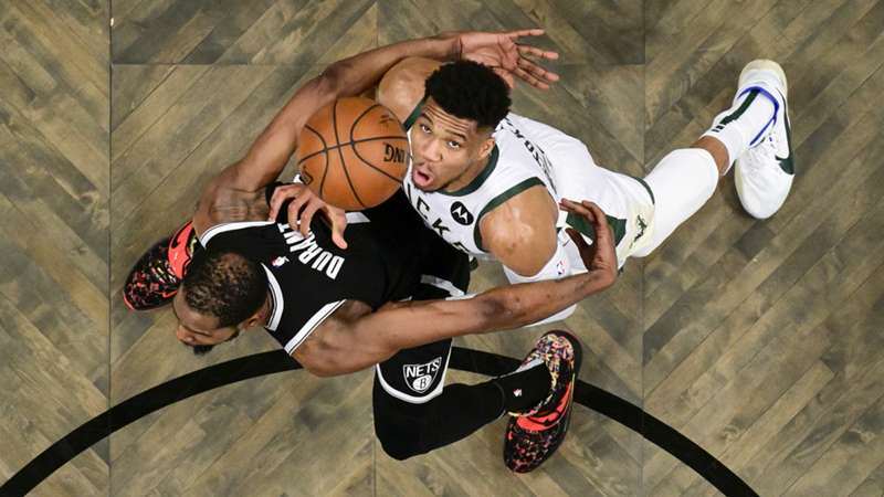 ONLY GER NBA Playoffs Conference Semifinals Brooklyn Nets vs. Milwaukee Bucks Kevin Durant Giannis Antetokounmpo Spiel 1 05062021