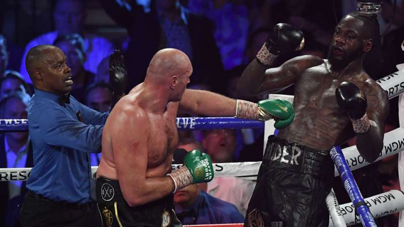fury-wilder-towel-022320-getty-ftr