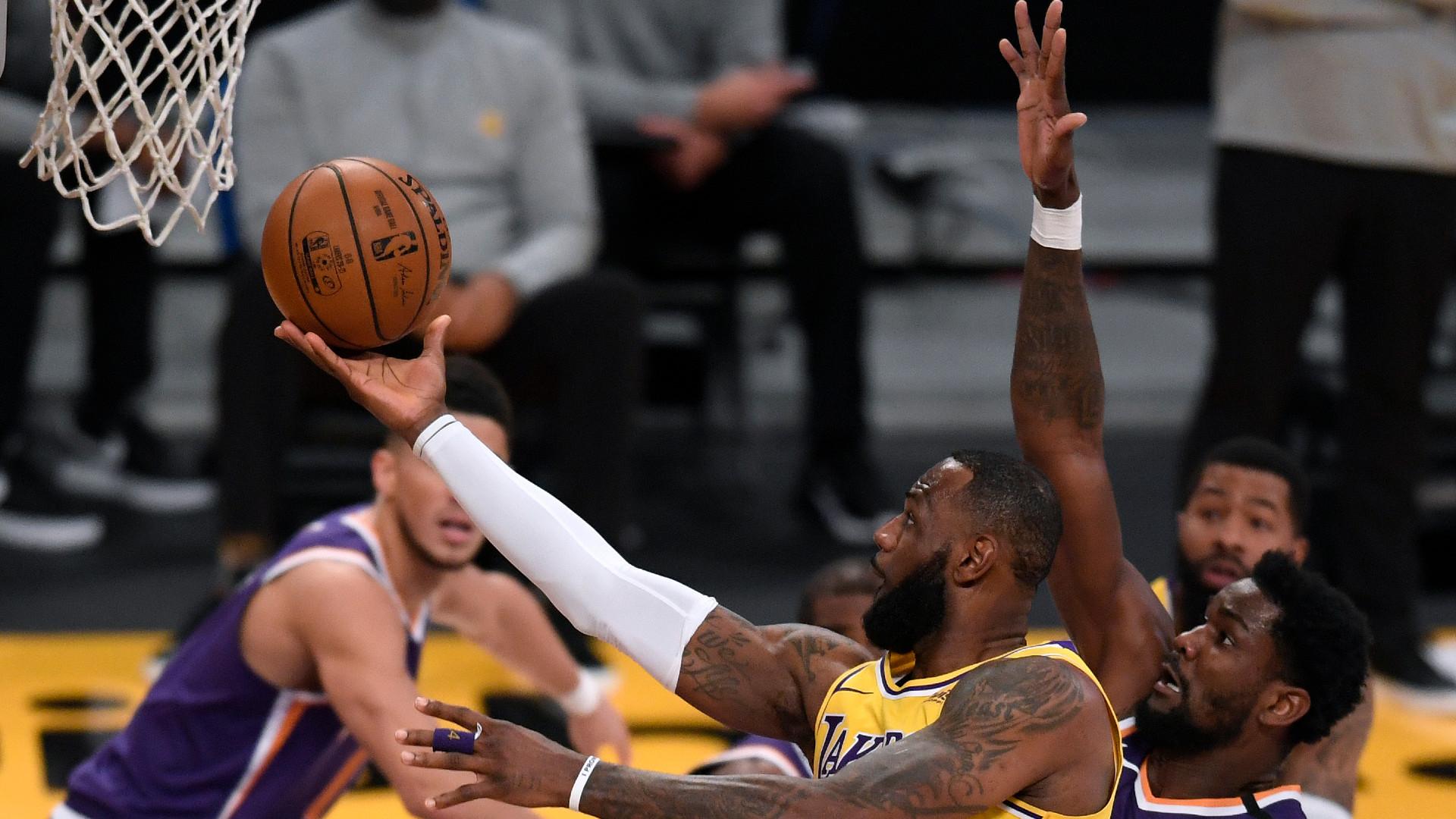 LeBron James LA Lakers 02032021