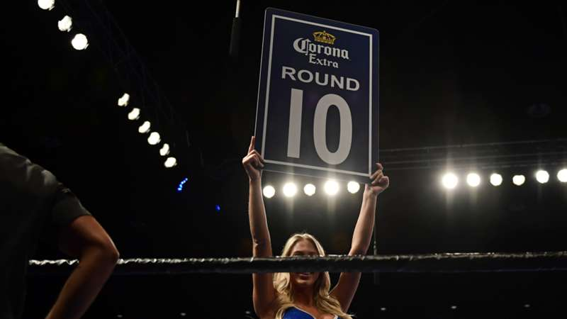 boxing-rounds-card-girl-getty-ftr