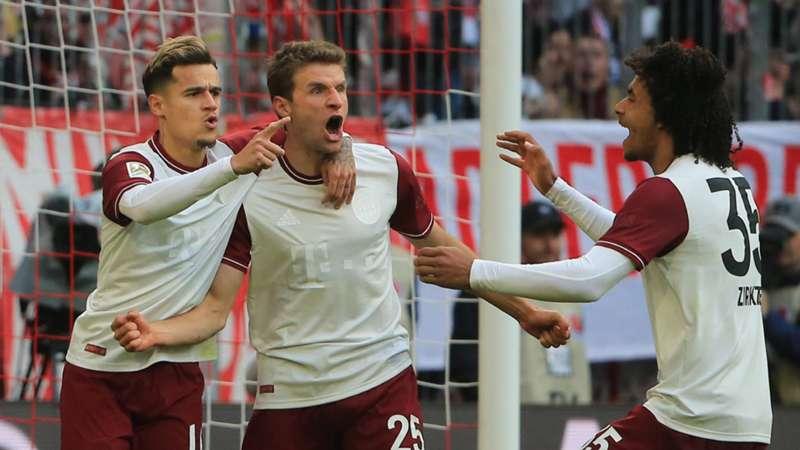 Jubel FC Bayern Müller Coutinho