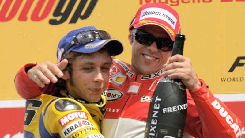 Rossi e Capirossi sul podio