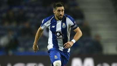 Héctor Herrera Porto 121218