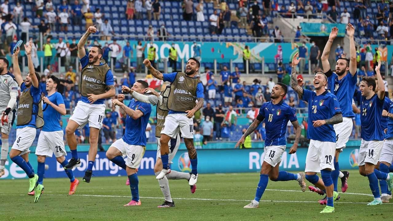 Italy celebrate vs Wales Euro 2020