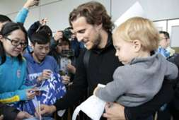 Forlan comes to Hong Kong to join Kitchee.