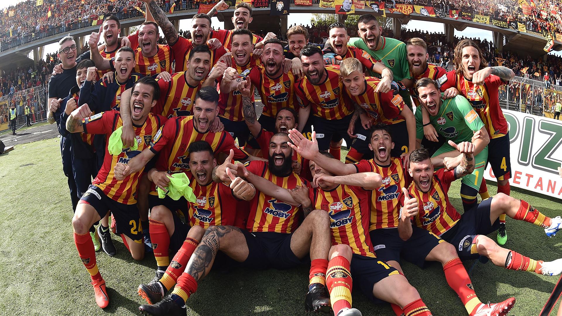 Lecce promosso in Serie A: 2-1 allo Spezia e Palermo ai playoff ...
