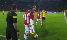 Nicklas Bendtner Mesut Ozil Arsenal Borussia Dortmund