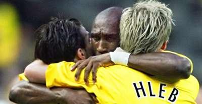 Campbell hug UCL Final 06