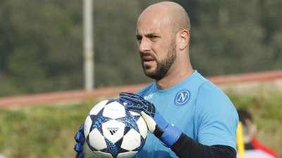 Pepe Reina Napoli Champions League