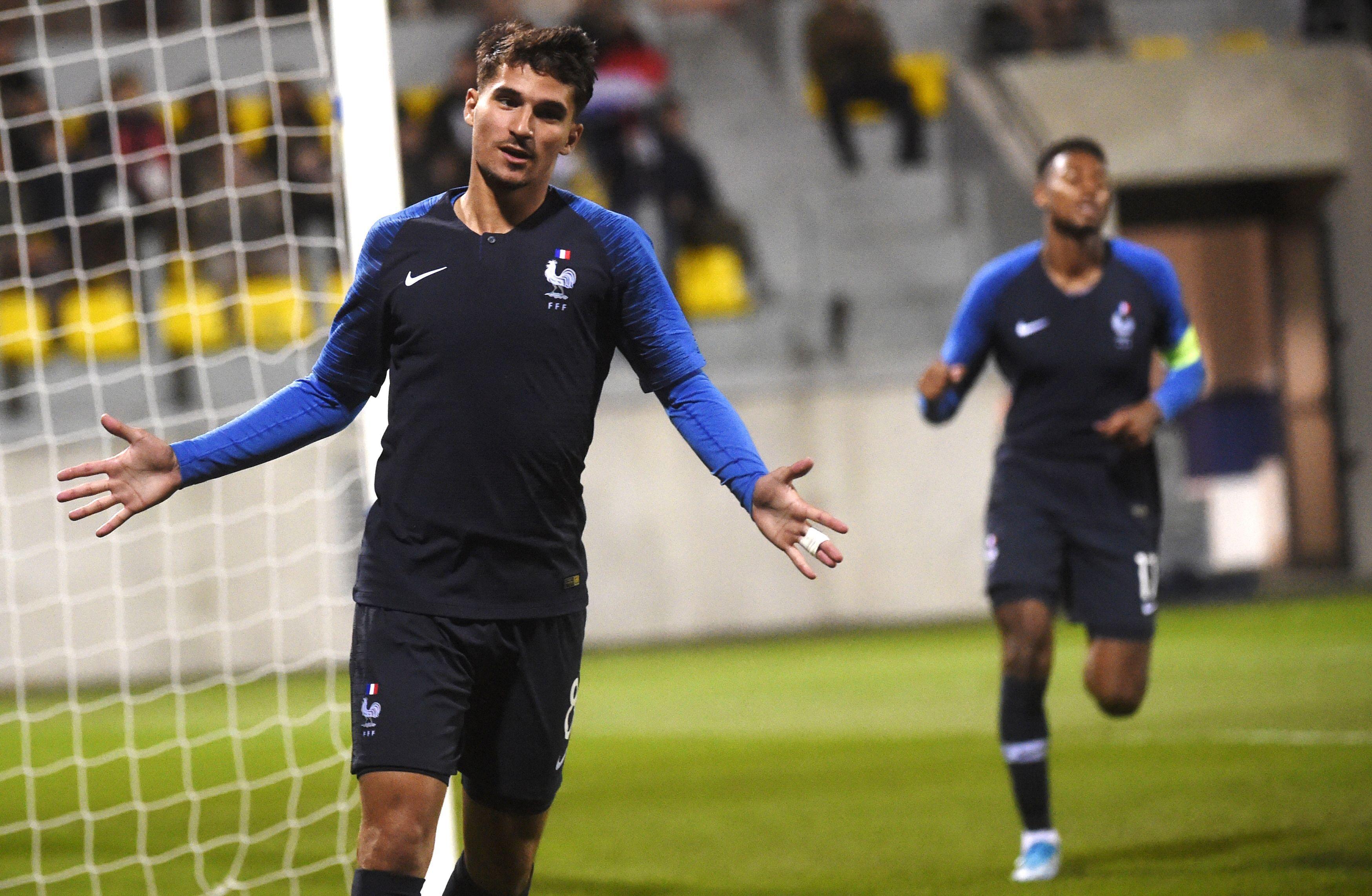 Lyon, Houssem Aouar vise l'Euro 2020 avec les Bleus