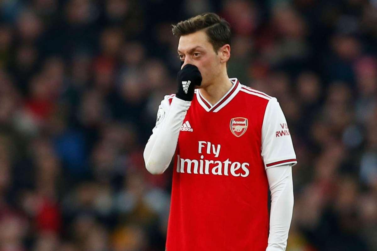 Andrei Arshavin: Mesut Özil, Arsenal'i yavaşlatıyor   Goal.com