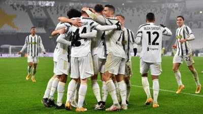 Juventus celebrating Roma