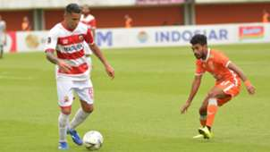 Alberto Goncalves - Madura United & Rifal Lastori - Borneo FC