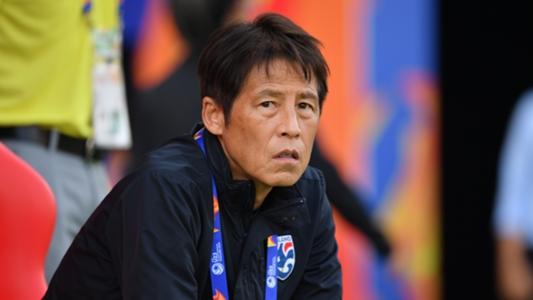 HLV Nishino sẽ nhận lương cao kỷ lục sau khi gia hạn với LĐBĐ Thái Lan | Goal.com