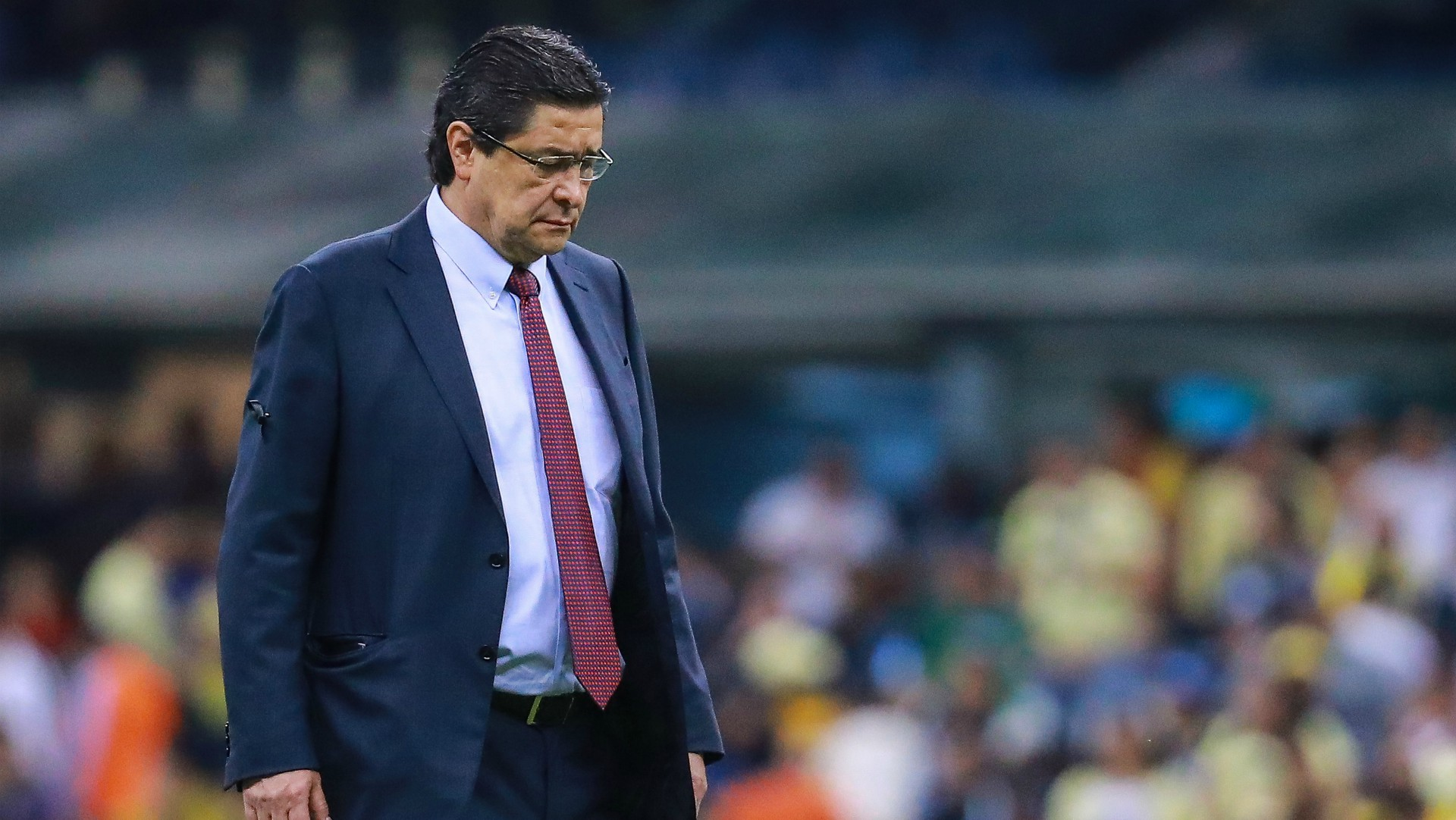 Luis Fernando Tena dejó de ser técnico de Chivas | Goal.com