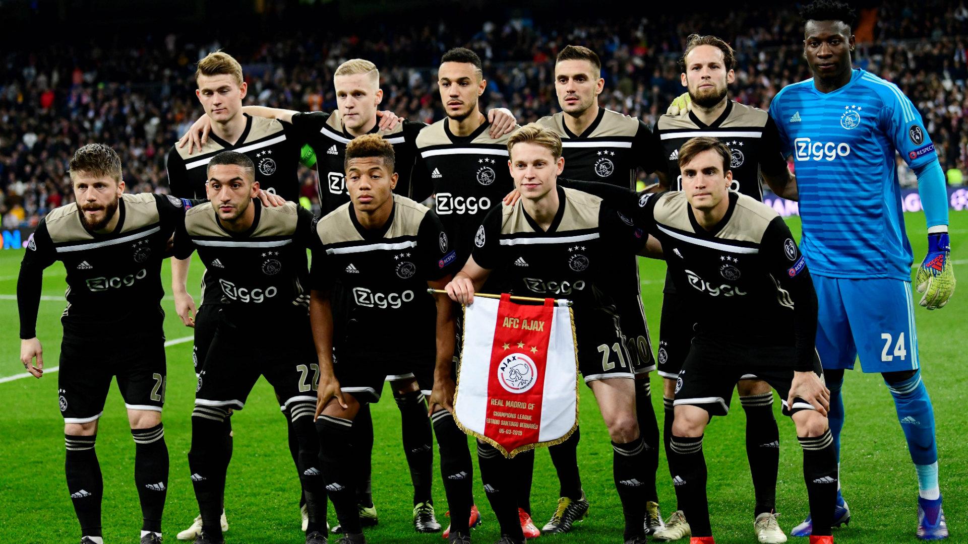 Time do Ajax no duelo contra o Real Madrid, pelas oitavas de final da Liga dos Campeões 2018/2019, no Santiago Bernabéu.