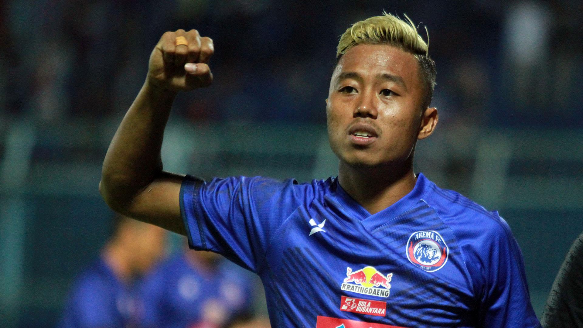 Striker Arema FC Soal Nilai Kontrak Kena Potong: Mau Tidak Mau, Harus Mau |  Goal.com