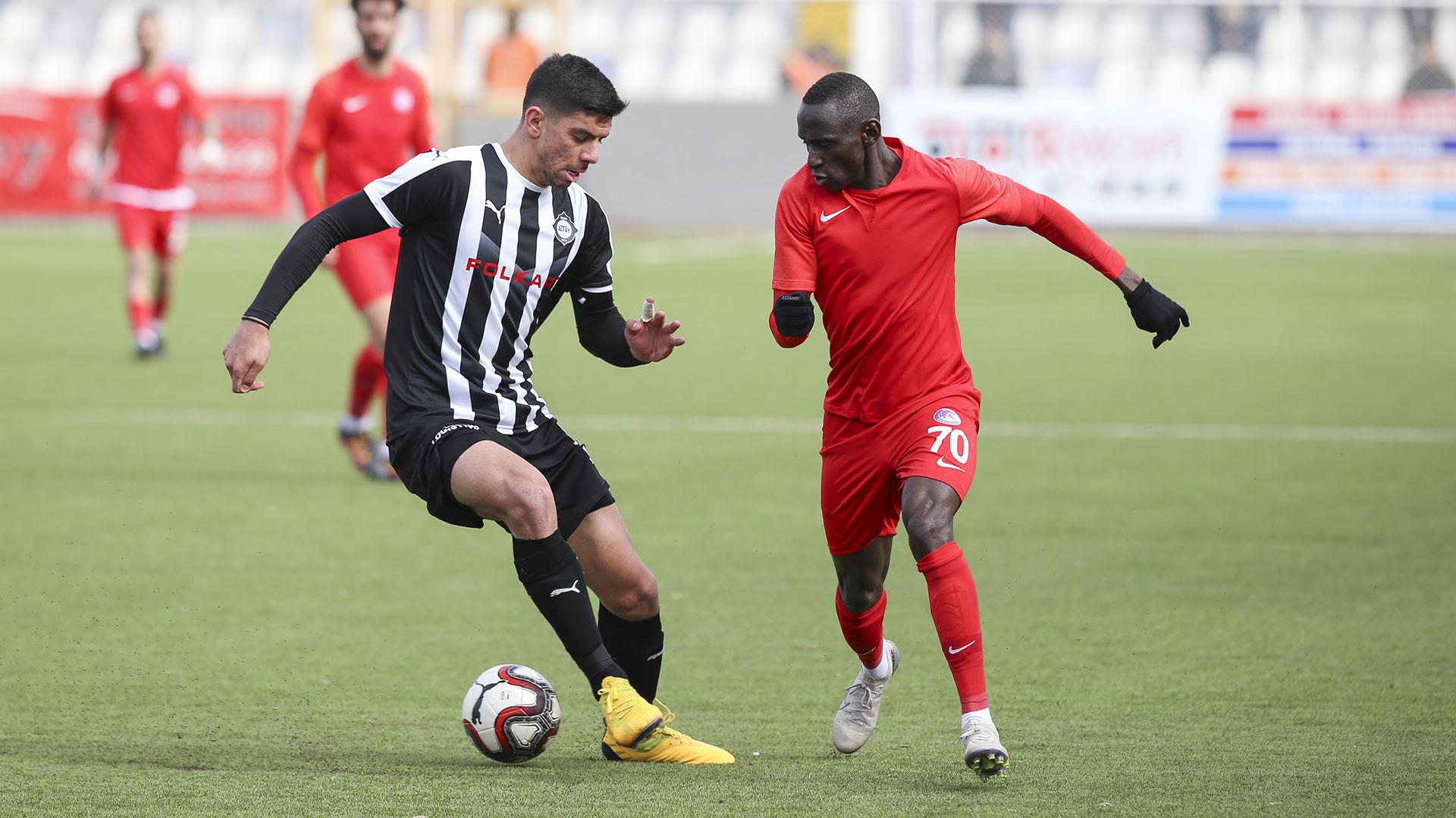 Officiel : l'OL recrute le jeune défenseur turc Cenk Özkaçar