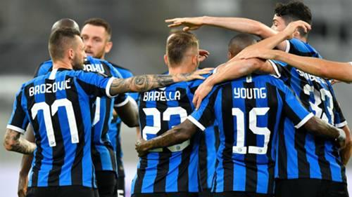 Inter celebrating Bayer Leverkusen Europa League