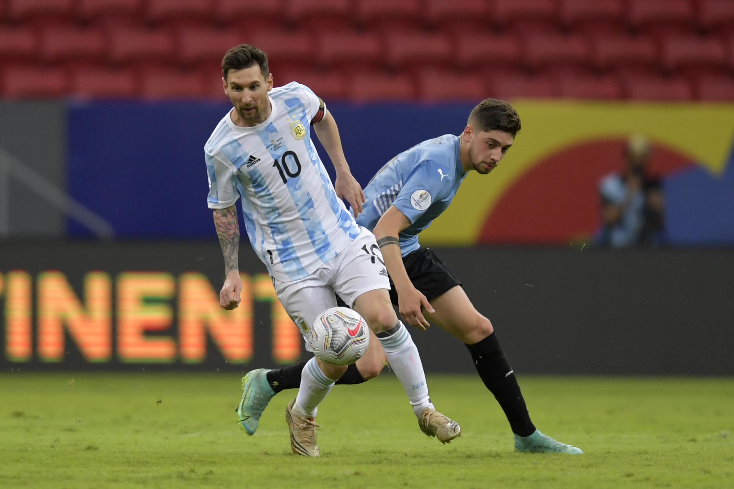 LIVE: Argentina vs Uruguay