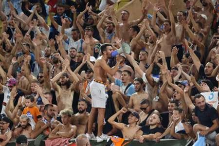VIDEO - OM-Lens : Quand supporters marseillais et lensois chantent ensemble…   Goal.com