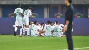 فرحة لاعبي الأهلي بعد هدفهم في مرمى استقلال الإيراني