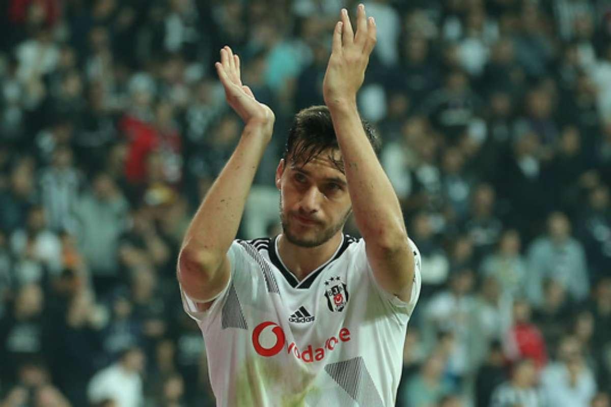 Beşiktaş'In Oyuncusuna 5 Transfer Teklifi !