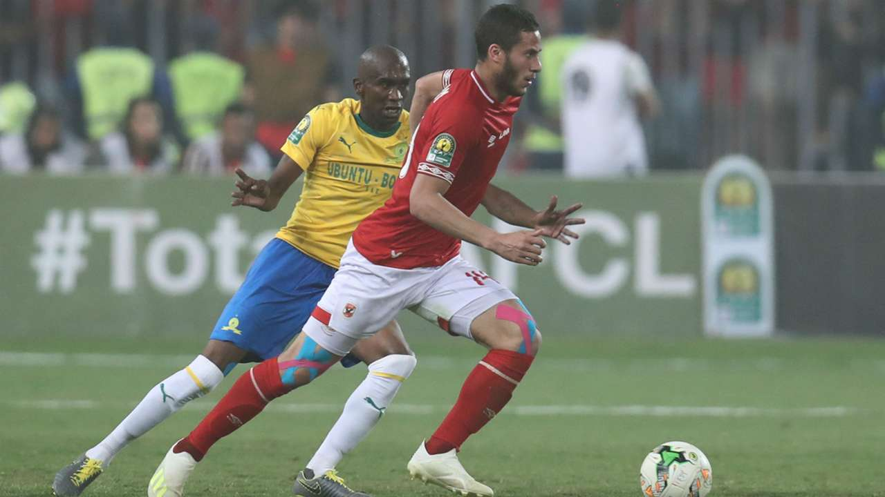 Ramadan Sobhi of Al Ahly challenged by Anele Ngcongca of Sundowns, April 2019