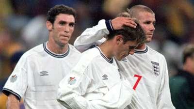 Phil Neville David Beckham England Romania Euro 2000