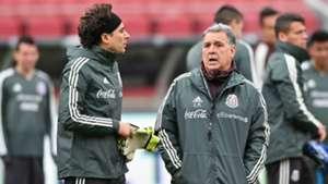 Tata Martino Guillermo Ochoa México Selección mexicana
