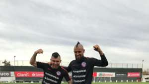 010619 Chile Arturo Vidal Gary Medel