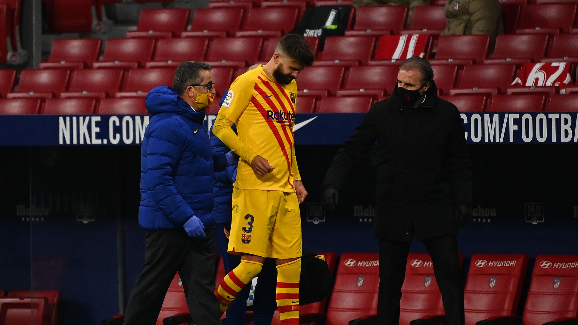 Pique raises alarm bells for Barca after hobbling off against Atletico