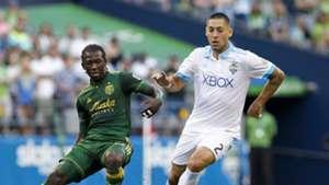 Clint Dempsey Diego Chara MLS 08272017