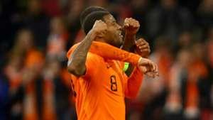Netherlands star Wijnaldum calls De Jong over for anti-racism celebration