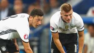Mesut Ozil Toni Kroos Germany 2016