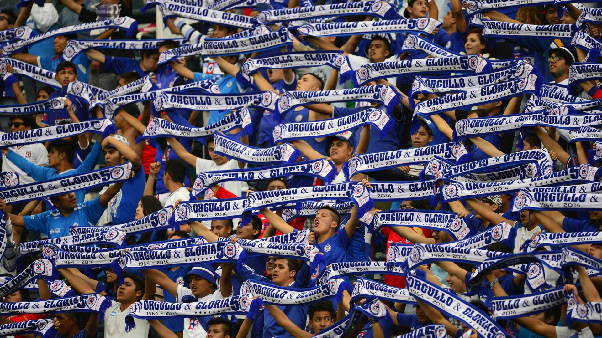 Cruz Azul fans