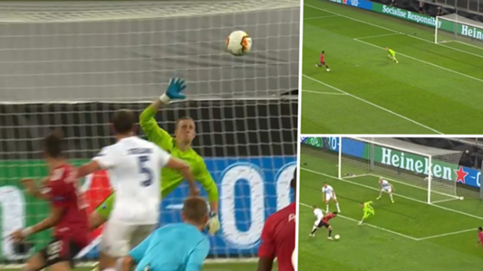 "VIDEO - Paraden-Rekord! Die Flugshow des Kopenhagener ""Teufelskerls"" gegen Manchester United | Goal.com"