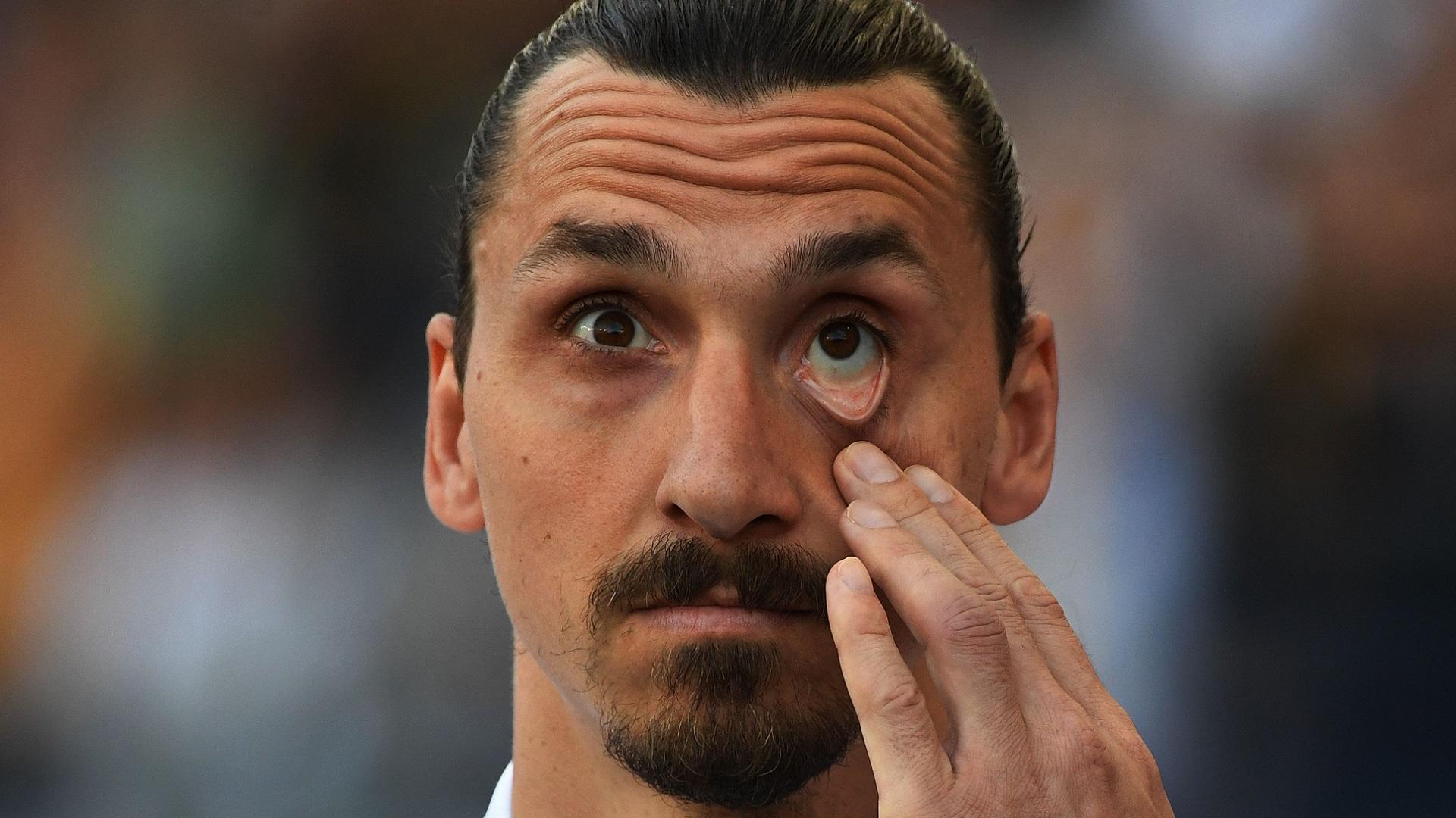 Tottenham - Olympiakos : salué par Mourinho, le ramasseur de balle s'exprime !