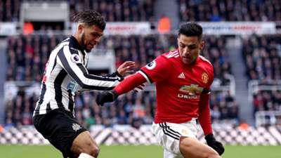 DeAndre Yedlin Alexis Sanchez Newcastle Manchester United Premier League